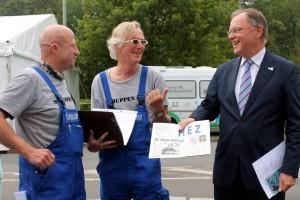Ministerpräsident Stephan Weil mit HEZ Herausgebern Gleitze und Sievers