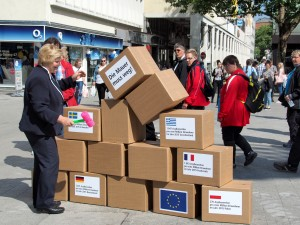 Sozialministerin Rundt reisst Mauer ein